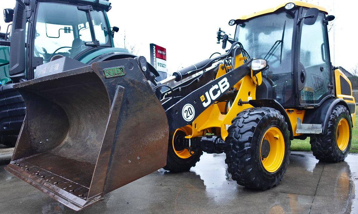 JCB 407